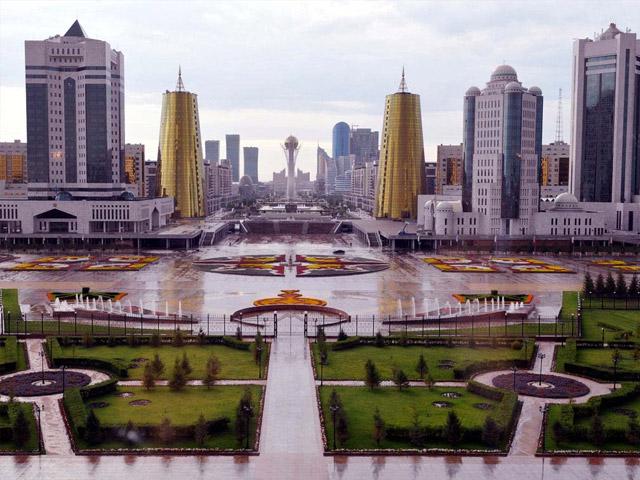 Астана (Astana) – столица Казахстана. Город был заложен ещё в 1824 году и носил название Акмолинск, а немного позже – Целиноград. Основан он был на берегу реки Ишим и служил в качестве военного укрепления. Только в 1868 году Астана стала полноценным городом.