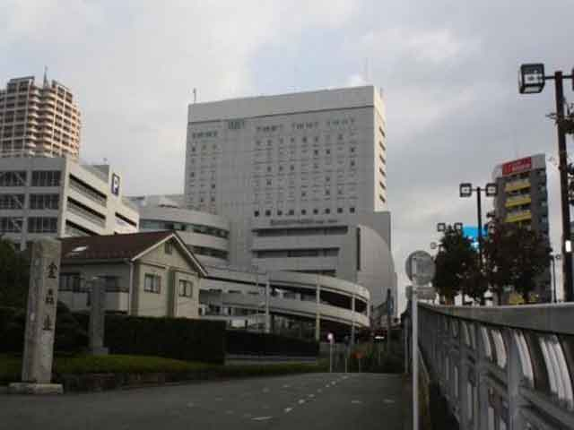 . Одной из самых популярных считается синтоистский храм. Окунитама – это объект туристического паломничества. Город также может гордиться известной теннисисткой Сюко Аояма, жившей здесь.