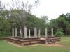 Во дворце-храме основали буддийский монастырь, где проживала почти тысяча монахов. Позже дворец перестроили, уменьшив число этажей до семи. Когда Анурадхапура перестал быть императорской резиденцией, начался его стремительный упадок. Его практически заново открыли только в 1820 году, когда шри-ланкийский охотник случайно наткнулся на руины города.