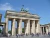 В 1806 году она попала в Париж, после того, как страну захватил Наполеон. После победы советских войск во время Второй мировой войны полностью уцелели только Бранденбургские ворота.