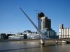 . Название сооружения переводится с испанского, как «Женский мост». Его открыли в 2002 году, и он сразу же превратился в один из символов Буэнос-Айреса.
