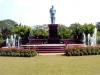 Индор (Indore) – это крупный коммерческий и деловой центр современной Индии, который славится своими прекрасными храмами, магазинчиками, а особенно природой. Здесь вы сможете почувствовать себя настоящим индийским человеком