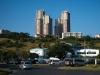 Через морской порт проходит более 10 миллионов тонн различных грузов. Также в Мапуту находится аэропорт международного значения, а также университет. В городе развито машиностроение, нефтеперерабатывающая промышленность, пищевая и другие отрасли.