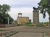 Сейчас Нарва, где преобладает русскоговорящее население, привлекает сюда любителей и ценителей старины. Здесь можно полюбоваться не только на памятники истории и архитектуры, но и увидеть уникальные природные достопримечательности.