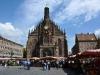 Здесь возникла уникальная роспись по стеклу – шаперовская. Также в городе занимаются изготовлением изделий из золота. Сейчас в Нюрнберге проживает полмиллиона человек. В городе развито производство. Имеется метрополитен. Здесь расположено много различных архитектурных памятников и музеев.