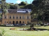Город знаменит Императорским Дворцом-музеем, построенным в 19 веке, в котором хранится золотая императорская корона. Нельзя не посетить известный Кафедральный собор. Интерес у туристов вызывает Дом Сантоса-Думонт, музей известного бразильского авиатора.