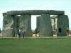 Никто не знает, каков в действительности его возраст. Никто не знает, кто  именно построил Стоунхендж – римляне, друиды или инопланетяне… Никто не знает, что побудило людей затратить так много сил на его возведение. Возможно, он был древним кладбищем – во время раскопок здесь находят много следов захоронений