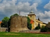 Вначале место Татабаньи занимали три древних поселения — Альшогалла, Банхида и Фельшёгалла. Самое старое из них — Банхида известно с 1288 года. Главной исторической ценностью и символом города является монумент Турул.