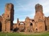 Путешествуя по Риму, посетите знаменитые развалины. Термы Каракаллы хранят в себе не только память грандиозной постройки великой империи, но и лучший пример заботы правителей о простых людях.