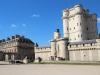 Венсен (Vincennes) – пригород Парижа, расположенный на окраине Венсенского леса. Еще с 13 веков в городе располагалась резиденция, в которой жили пять королей. С конца 1870 годов в нем работала фарфоровая мануфактура. Известность городу принес парк с названием Венсенский лес.