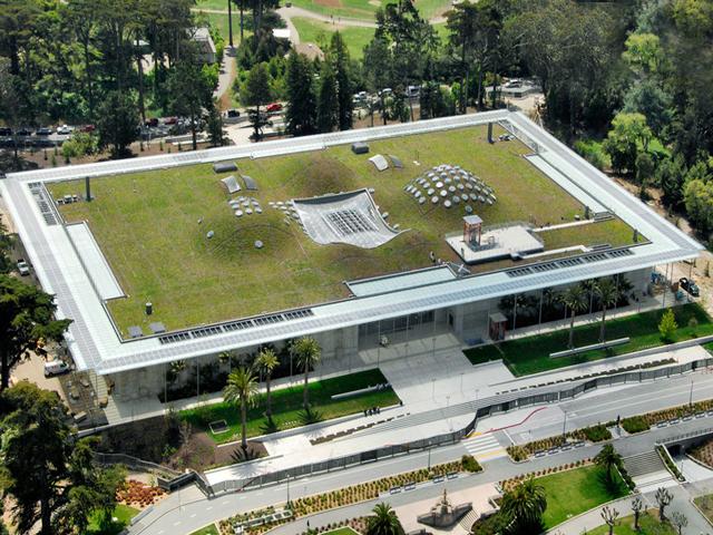 Проект для здания создал Ренцо Пьяно, который был основателем нового стиля в архитектуре – хай-тек. Этот стиль несет в себе сочетание природы и технологии, что делает его по-настоящему особенным.
