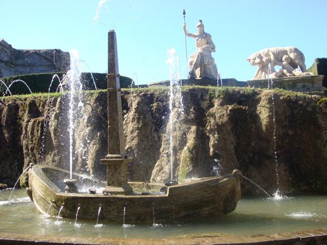 Правитель Римской империи объединил в своей вилле всё то необычное и удивительное, что ему приходилось увидеть в разных уголках света, в качестве приятных воспоминаний и источника нового вдохновения.