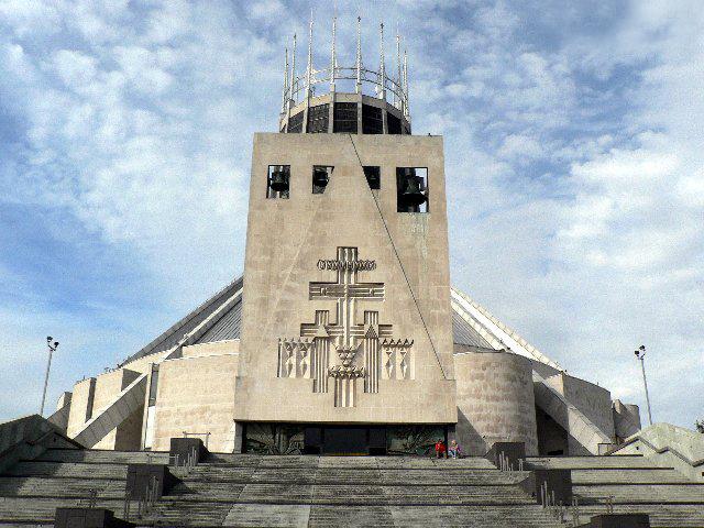 Церковь принадлежит к католической церкви. Это необычное сооружение было возведено по проекту архитектора Фредерика Гибберда в 1967 году после пяти лет строительства.