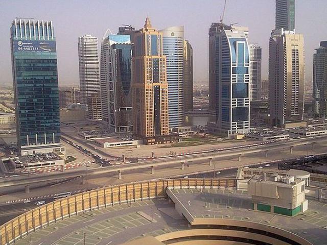 Для удобства жителей у каждой группы зданий есть своя парковка и свой участок на набережной. Как известно, Дубаи любит и ценит своих гостей.