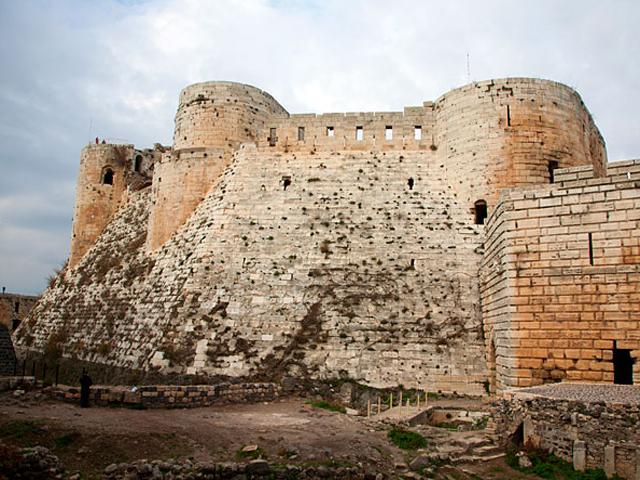 Позже замок перешел в руки иоаннитов, которые немного изменили его внутренний и внешний вид. После перестройки он стал одной из самых величественных религиозных построек. К сожалению, в 1157 году здание сильно пострадало во время землетрясения.