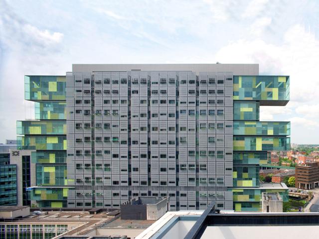 В 2007 году было завершено строительство, и итоговый результат удивил не только местных жителей, но и умудренных экспертов.