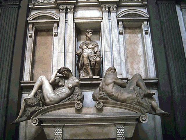 Он руководил работами по возведению купола над капеллой, создал несколько скульптур: фигуру мальчика, Мадонну с младенцем, фигуры-аллегории «День», «Ночь», «Утро», «Вечер». Именно фигуры «Суток», расположенные на надгробьях саркофагов, и принесли славу Капелле Медичи.