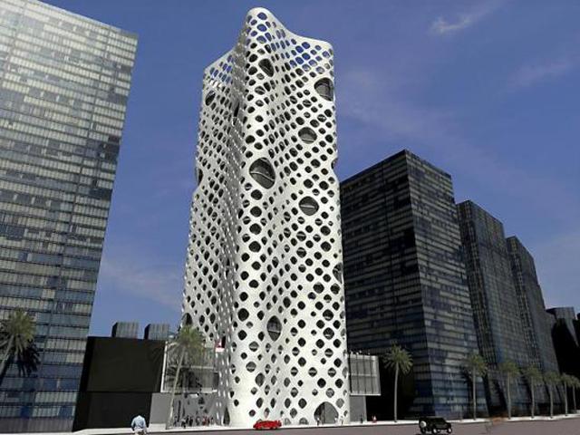 В конструкции здания применена инновационная технология. Между окном и фасадом сделан проем в один метр. Это интереснейшее изобретение архитекторов позволяет теплому воздуху подниматься вверх и обдувать здание.
