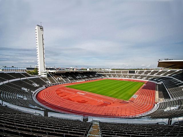 Изюминкой стадиона стала башня высотою в 72 метра. Ее могут посетить все желающие, чтобы полюбоваться впечатляющим видом и панорамой Хельсинки.