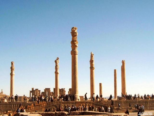 . До наших дней дошли оставшиеся от дворцов руины, которые очень впечатляют. Это один из самых посещаемых исторических объектов на Востоке.
