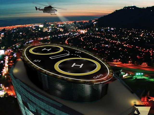 На крыше здания находятся 2 вертолетные площадки, до них можно добраться на одном из двадцати лифтов, развивающих скорость около 6,5 метров в секунду.