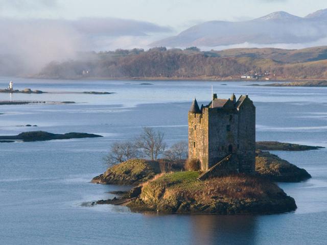 В последнее время интерес к шотландскому замку возрос благодаря его использованию в качестве места проведения съёмок нескольких фильмов.
