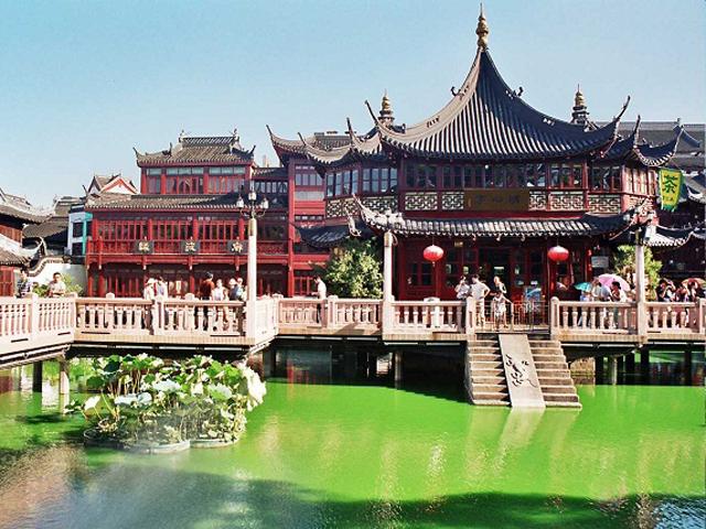Его создали, когда страной правила известная династия Мин, поэтому он полностью сохраняет традиции той эпохи. Чиновник Пан Юн Дуан решил подарить в 1577 году это место своим пожилым родителям.