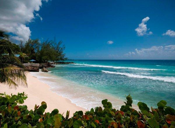 Первыми поселенцами на острове стали индейцы племени Араваки. В шестнадцатом веке появилась путаница с названием острова, вследствие чего он значился и как Барбудос, и как Сан-Бернардо, и как Барнадос. Однако название его - Барбадос переводится как «бородатый».