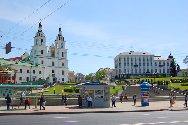 В средние века на месте нынешней Белоруссии размещалось несколько  довольно крупных княжеств. Наиболее развитым и сильным являлось Полоцкое княжество. К середине 13 века было образовано Великое княжество литовское.