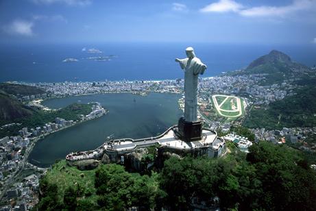 Самые большие города-миллионники  – Сан-Паулу, Рио-де-Жанейро и Салвадор. Тип государственного правления – республиканский, во главе страны стоит президент. Национальной валютой Бразилии является реал.