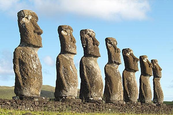 Остров Пасхи, остров Веллингтона, архипелаг Хуан-Фернандес, западная часть острова Огненная Земля – все эти острова принадлежат государству Чили. Территориальная площадь Чили составляет 756,9 км2.