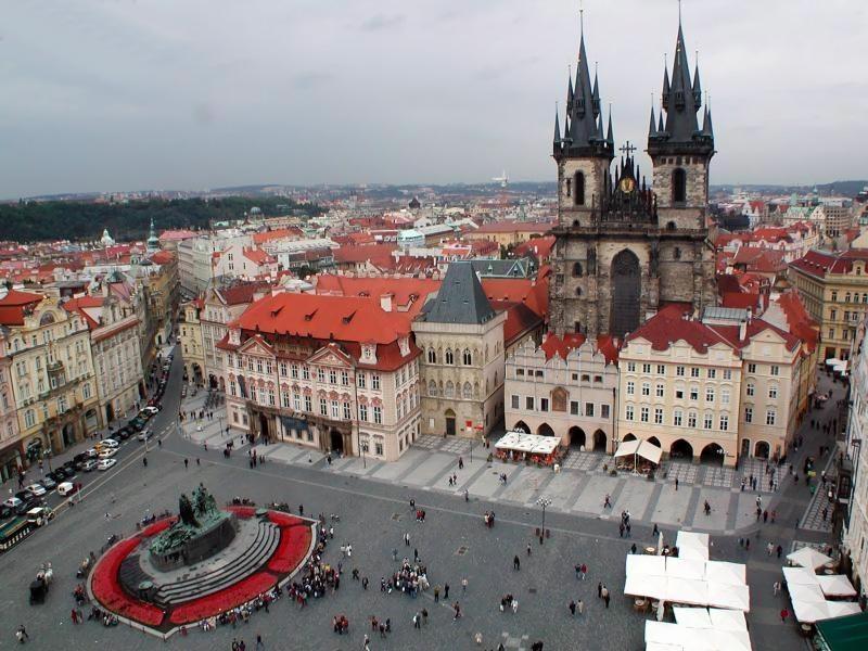 Чехия славится своей архитектурой, кухней и городами – курортами. Именно города-курорты сделали эту страну популярным для оздоровительного туризма.