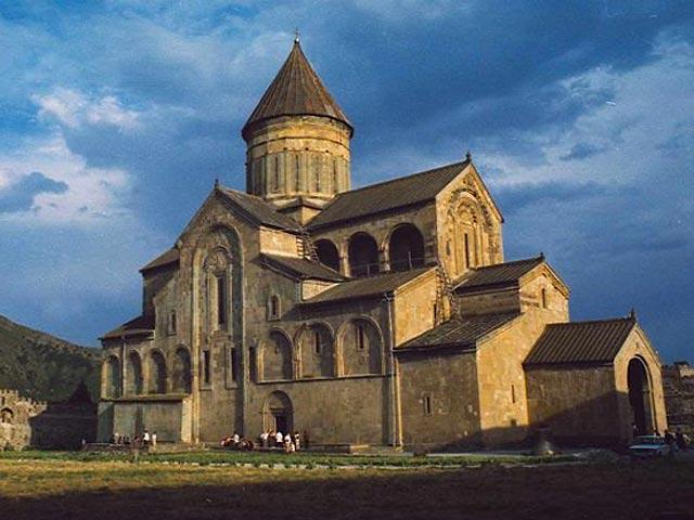 Свобода вероисповедания в Грузии гарантирована. Почти 65% населения страны – православные.