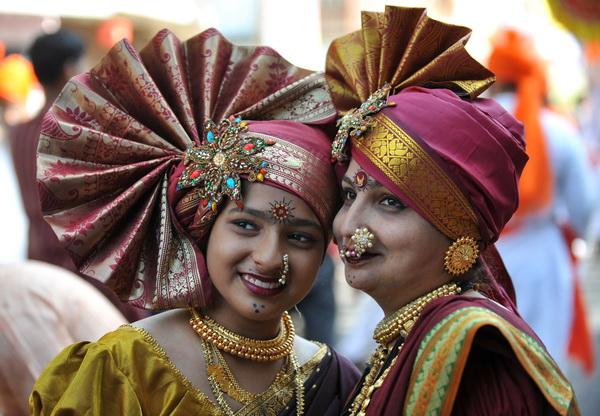 Более 70% населения Индии составляют арии. Аборигены Австралии – другая большая этническая группа республики. На долю монголоидных народов, проживающих на северо-востоке Индии, приходится 3% жителей.