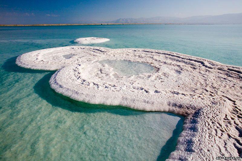 Пустыни занимают более 60 % площади страны: южнее Мёртвого моря – Арава, Иудейская на севере, Негев на юге, Иорданская на востоке.