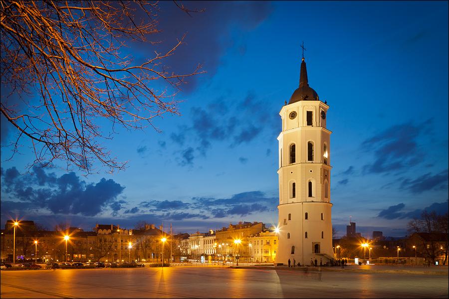 Наиболее крупные города Литвы – это Вильнюс – столица государства (насчитывает свыше полумиллиона человек), Клайпеда (свыше двухсот тысяч человек), Паневежис и Шаоляй – оба свыше ста тысяч человек.