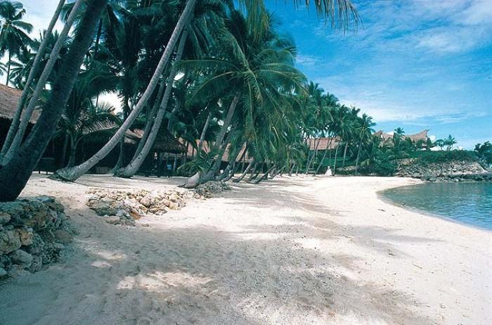 Воды Филиппинского моря омывают северо-восточное и восточное побережье страны, Южно-Китайского моря – северо-западное и западное. Море Сулавеси расположено на юге Филиппин.