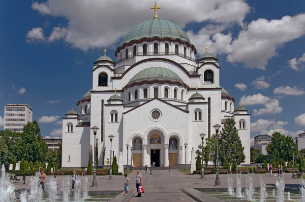 Архитектурные памятники представлены: средневековая крепость (в настоящее время - Военный музей, находится в Белграде), собор, построенный в византийском стиле (Крагуеваце). Отдельного упоминания заслуживает монастырь Ситиндж (Черногория), где собрана удивительная коллекция артефактов.