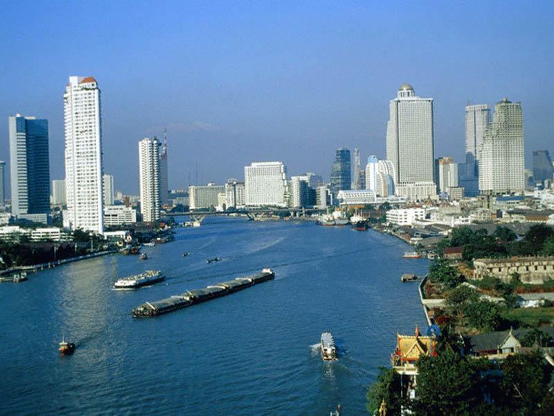 Городское население Таиланда составляет около 25%. Бангкок – столица страны. Среди других крупных городов: Чиангмай, Накхонратчасима и пр.