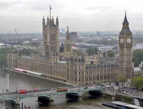 Самые крупные города - Лондон (столица, более 7 миллионов жителей), Манчестер (более 2 миллионов человек), Бирмингем (около миллиона), Глазго (более шестисот пятидесяти тысяч человек), Шеффилд (полмиллиона).