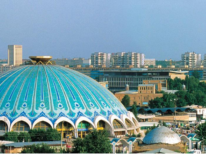 Городское население Узбекистана составляет 42%. Ташкент – столица страны. Среди других крупных городов – Наманган, Бухара, Самарканд, Андижан и пр.
