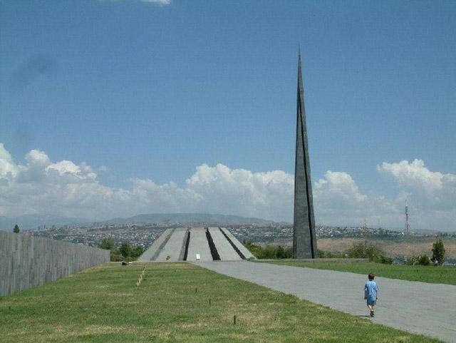 Памятник в Армении